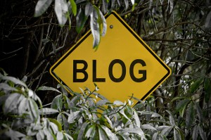 """Caution: Blog Ahead"", por Mixy Lorenzo, licencia    (CC BY-NC-SA 2.0)"